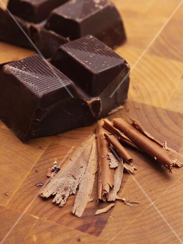 Bittersweet chocolate and chocolate shavings