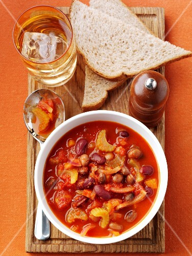 Vegetable casserole with bread