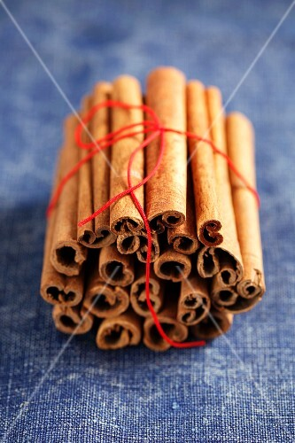 Many cinnamon sticks, bundled