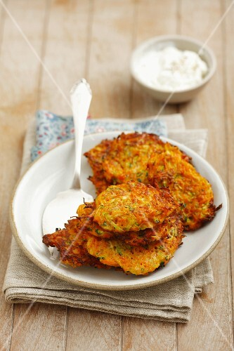 Carrot fritters with yoghurt dip