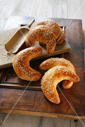 Sesame seed horns