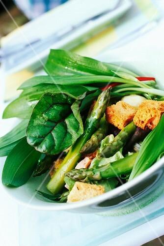 bowl of fresh salad vegetables
