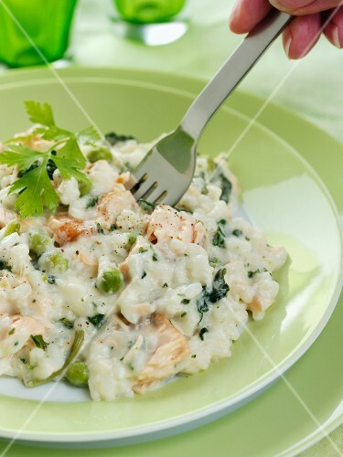 Risotto with peas and salmon