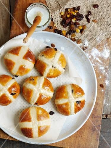 Hot cross buns (fruit buns for Good Friday, UK)