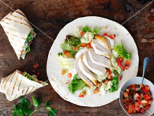 Wraps with chicken and tomato salsa