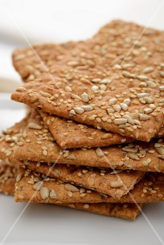 Spelt crackers with sesame seeds and sunflower seeds