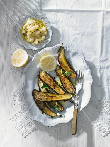 Roasted aubergines with skordalia (Greece)