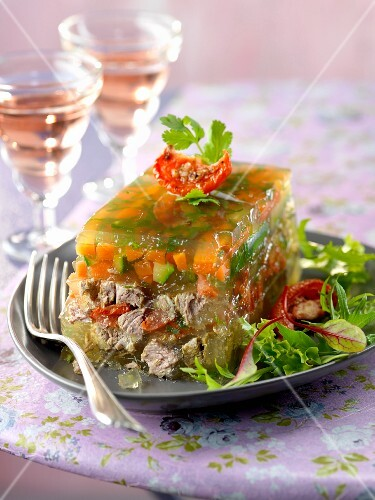 Beef and vegetables in jelly