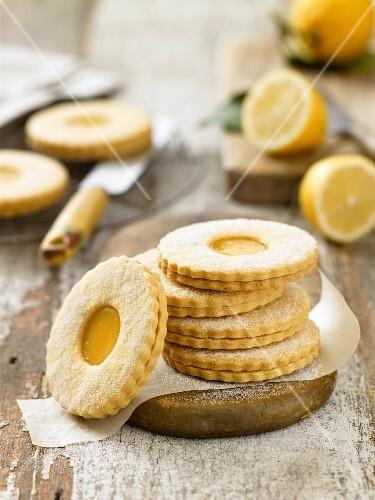 Lemon shortbread (lemon biscuits, Britain)