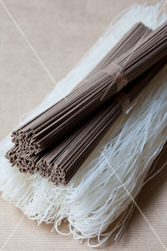 Rice noodles and soba noodles