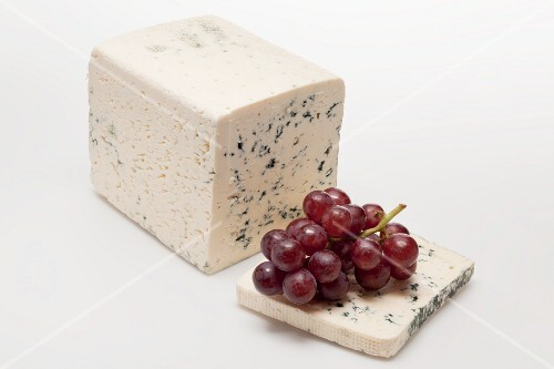 Blue cheese and red grapes