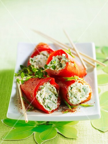 Piquillo chilli peppers stuffed with goat's cheese