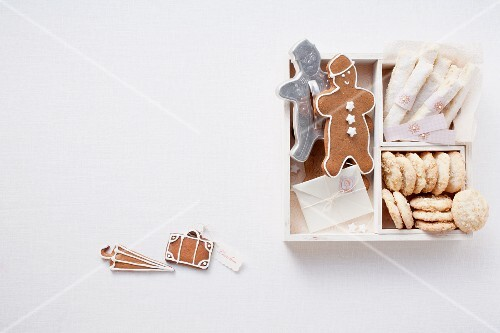 Gingerbread, melting moments and shortbread (Britain)
