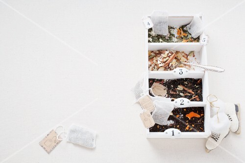 Home-made tea blends as a gift