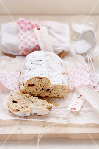 A small quark Stollen with hazelnuts