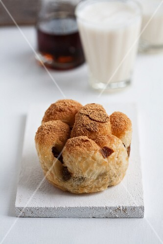 Pfaffenhut (puff pastry turnover) with pear filling