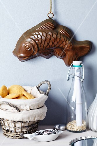 Fish-shaped cake mould decorating wall