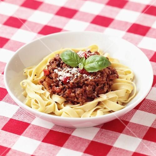Tagliatelle alla bolognese (ribbon pasta with meat sauce)