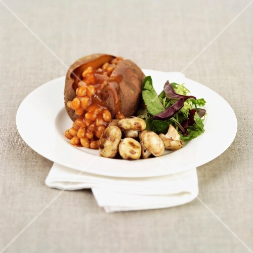 Baked Sweet Potato with Mushrooms and Baked Beans