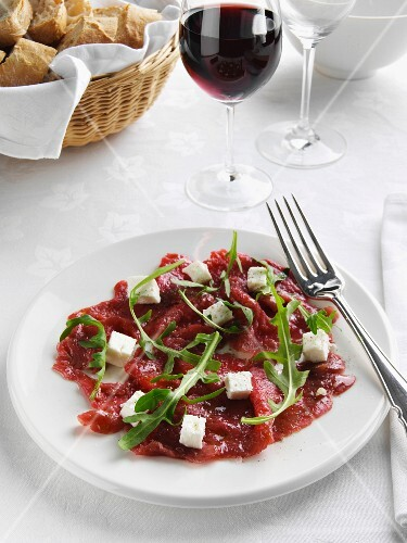Carpaccio al caprino (raw beef with goat's cheese)