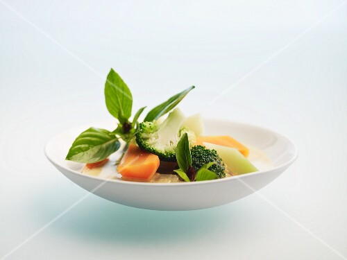 Vegetable curry with Thai basil