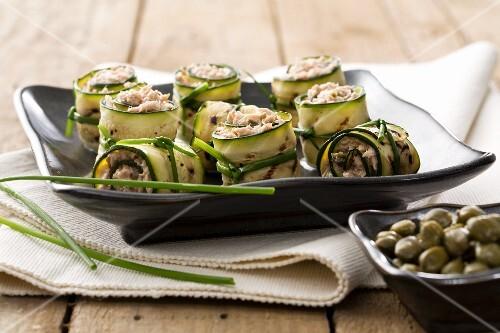 Involtini di zucchina al tonno (rolled stuffed courgette strips)