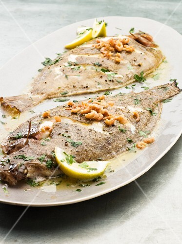 Grilled sole with butter sauce