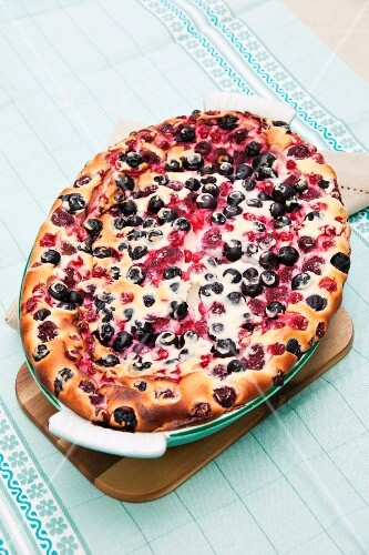 Blueberry and redcurrant cake
