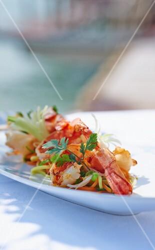 Prawns with stir-fried vegetables