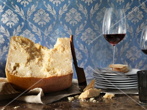 Hard cheese, crackers and red wine (France)