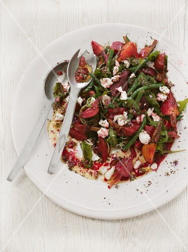 A salad of beetroot with beans and feta