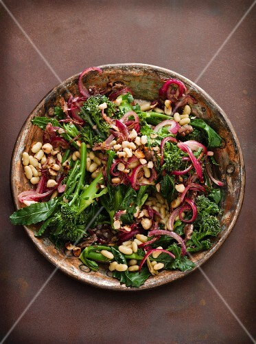 Broccoli salad with flageolet beans and hazelnuts