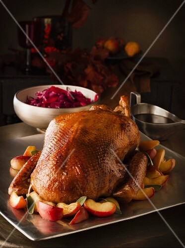Roast goose with apples and red cabbage