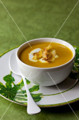 Lentil soup with ginger and turmeric
