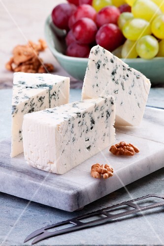 Blue cheese, walnuts and grapes