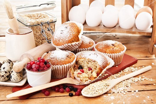Winter muffins with oats and frozen berries