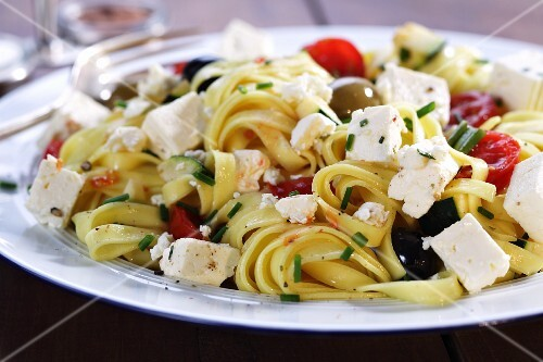 Pasta with cherry tomatoes and feta