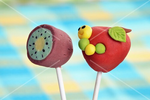 Cake pops decorated to look like fruit