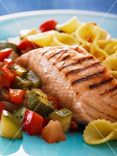 Grilled salmon with vegetables and pasta