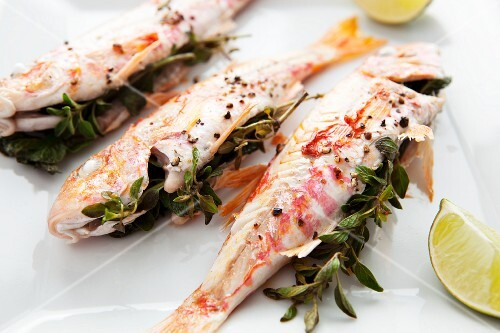 Red mullet stuffed with herbs