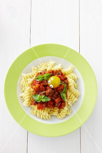 Fusilli with minced meat sauce and a little tomato man