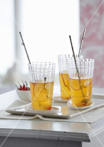 Apple punch with ginger and chilli