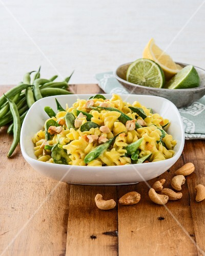 Fusilli with green beans, baby spinach and cashew nuts