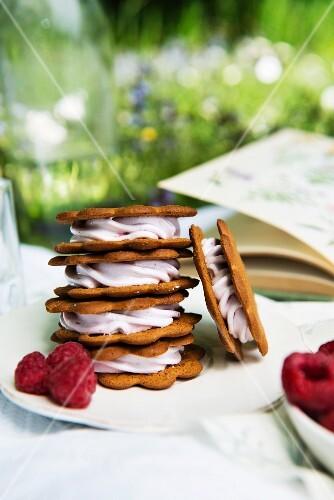 Cookies mit Cremefüllung