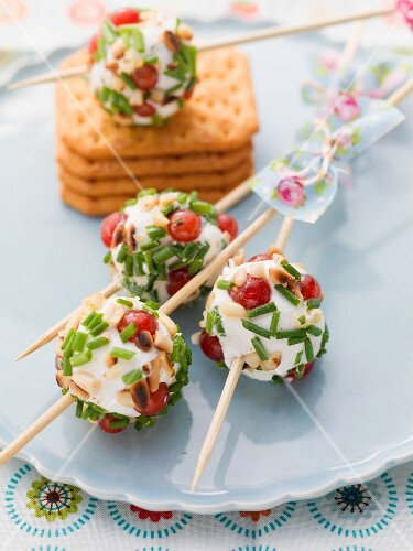 Goat's cheese balls on skewers