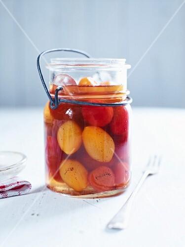 Pickled vanilla tomatoes