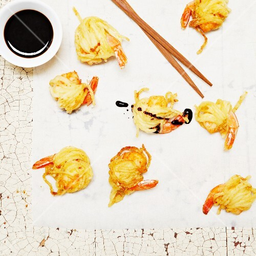 Deep-fried battered prawns with soy sauce (Asia)