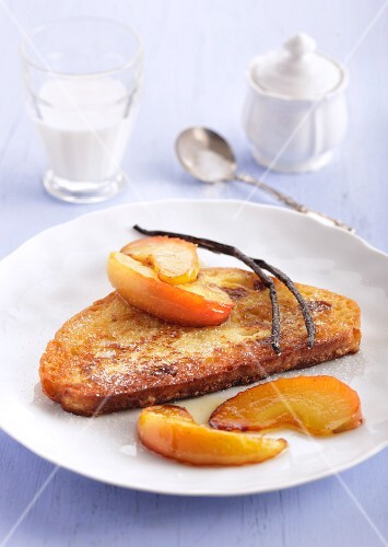 French toast with sliced apples