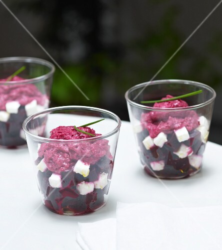 Beetroot salad with diced feta and foam