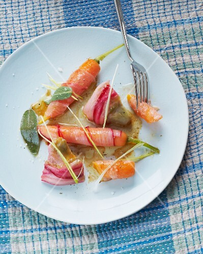 Artichokes and carrots with dressing